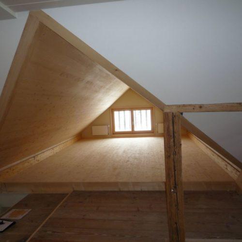 Referenzen Altbausanierung Sanierung MFH Dachzimmer