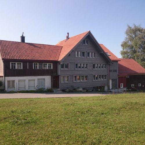 Referenzen Altbausanierung Sanierung MFH Vorvergraute Fassade