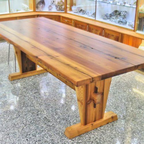 Referenzen Schreinerei Tisch Altholz 02